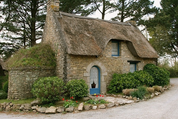 Art small stone cottage old world cottages stone houses for Tiny stone cottage