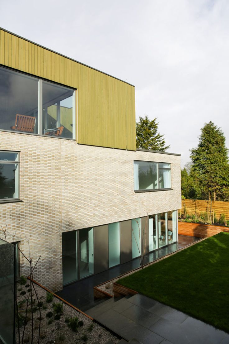 Arrow homes traverse city - John Pardey Architects Built This Modern Home That Consists Of Three Stacked Volumes I Have