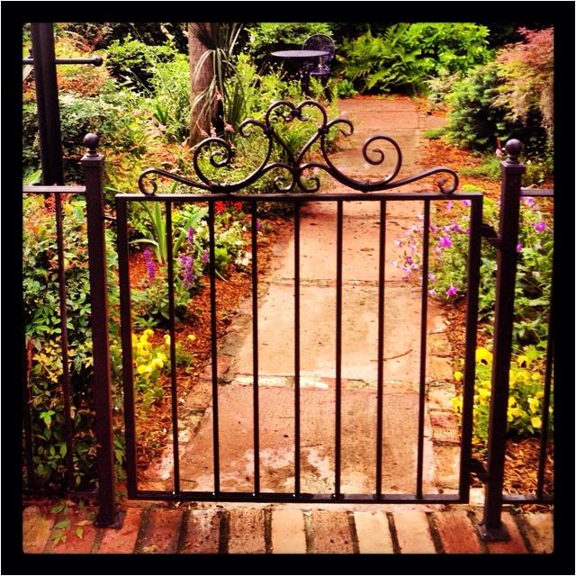 Wrought Iron Gates And Steel Barriers: Best 25+ Iron Garden Gates Ideas On Pinterest
