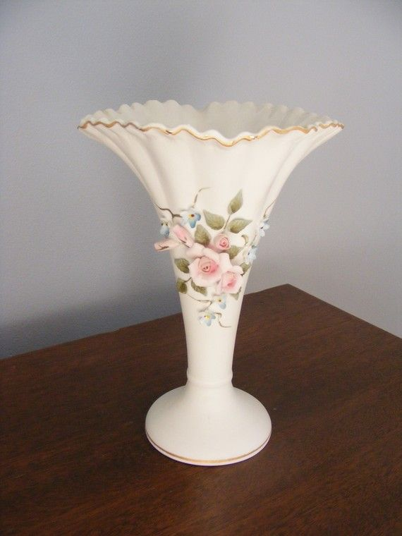 Download Wallpaper Lefton China Vase Full Wallpapers