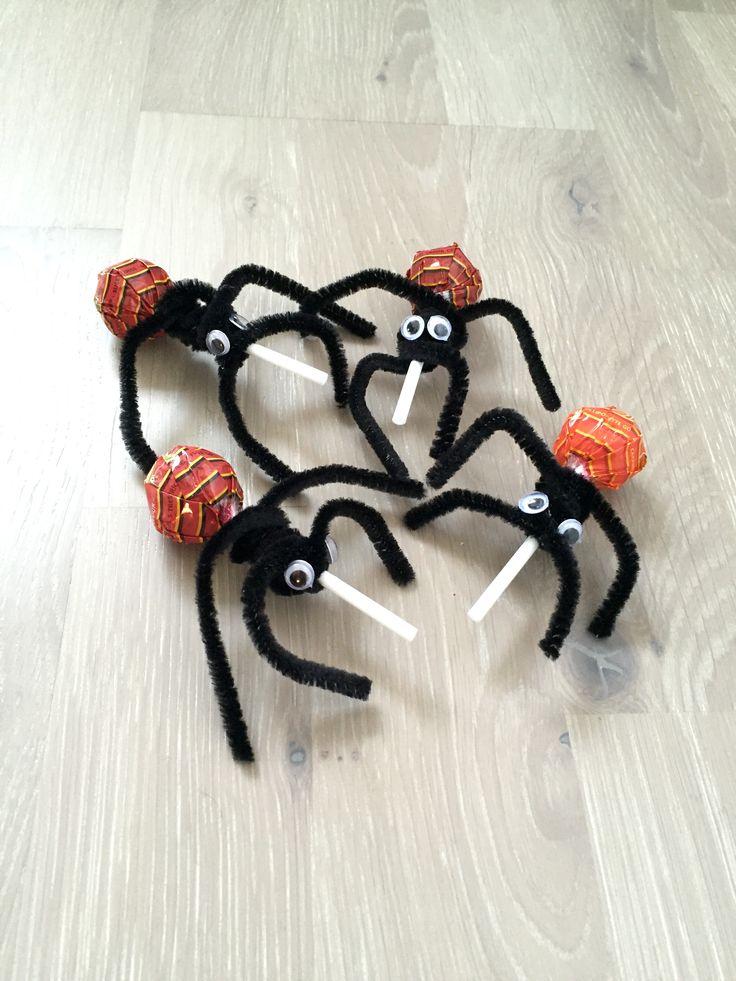Spindlar, pyssel, halloween, bus eller godis