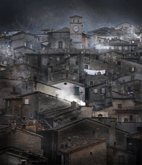 L'Aquila, Italy (© Edmondo Senatore)L'Aquila is a city and comune in central Italy, both the capital city of the Abruzzo region and of the Province of L'Aquila