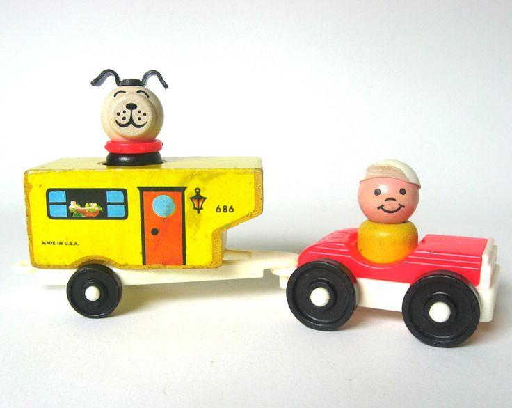 hard to find, vintage Fisher Price Little People Car and Camper Set #686