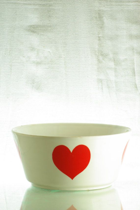 Super retro heart-bowl, Ditmar Urbach, pre-war. Size: large.