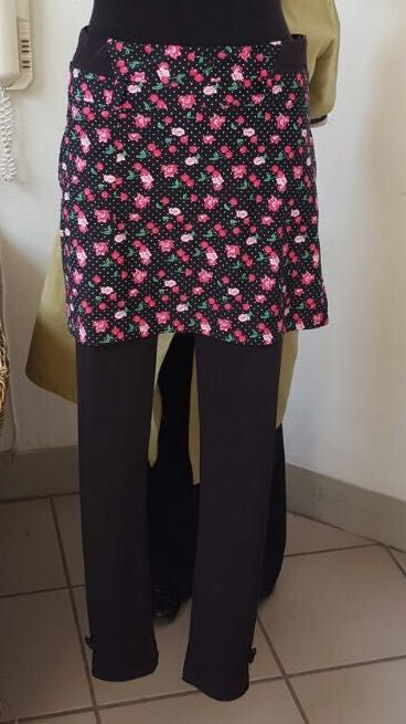 We're in love with these gorgeous floral print skeggings!  Email us on info@beautifulmegolf.co.za or visit our website to place your order.  #floral #print #pink #golf #fashion #leggings #skirt #skeggings