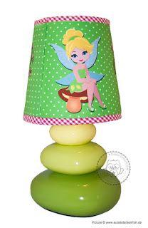 Waldfee Tischleuchte #waldfee #tischleuchte #lampe #leuchte #kinderzimmerlampe #kinderlampe #kinderleuchte #online #kaufen #handgefertigt #baum #eule #bunteblätter #patchwork #pilze #vogel #wunschname #wunschtext #grün #braun #pink #rosa
