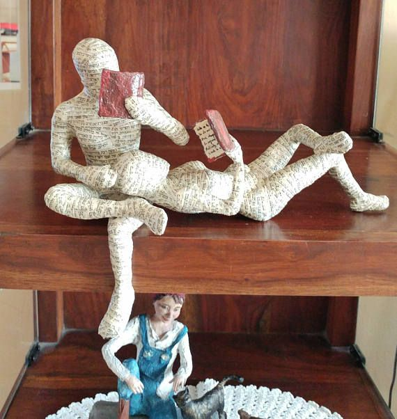 Paper mache sculpture, reading couple, reading woman, reading man, booklover gift, shelf decor sculpture, ooak sclpture