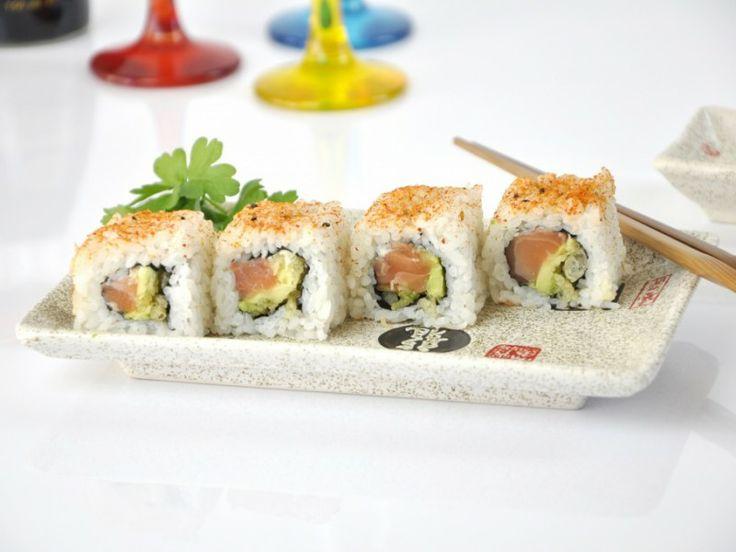 Sushi recept: Uramaki spicy zalm met Tempura flakes - Sushi-San