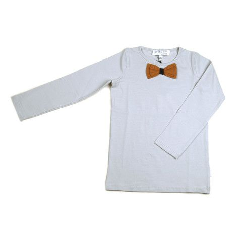 Knast by Krutter dapper long sleeve T-shirt is a must have for every boy and girl and is made from Oeko-Tex standard 100 95% cotton 5% lycra.  This long sleeve light grey T-shirt has an actual rich caramel fabric bow, stitched at the collar to resemble a bow tie. One for those who dress with style $53.95