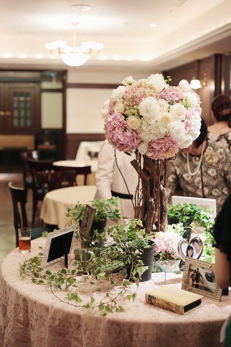 花のツリー、花の入口 青山サロン様へ : 一会 ウエディングの花