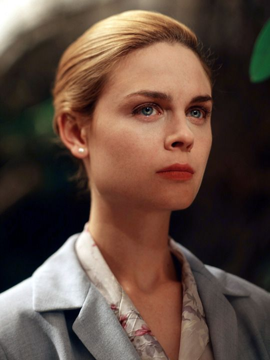 """""""Stephen King's Rose Red"""" (Pam Asbury played by Emily Deschanel) 