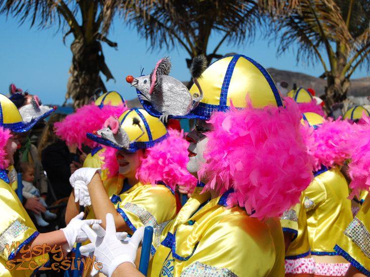 Parada dzieci i młodzieży podczas Carnaval del Dia w Las Palmas de Gran Canaria 2012
