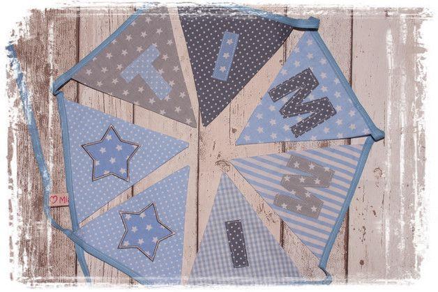 _Ein Highlight für das Kinderzimmer oder auch den Kindergeburtstag. Verspielte Wimpelkette in blau und grau Tönen mit appliziertem Namen. 8 Wimpel sind hier inklusive. (Name+Sterne) Gerne...