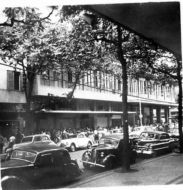 Fila do cinema Roxy - Rua Bolívar, Copacabana