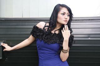 Gallery Foto Sexy Siti Badriah - Penyanyi Dangdut