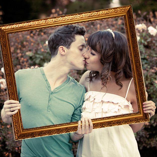 *Witzige Fotos von allen Hochzeitsgästen: Die Gäste posieren mit dem tollen Barock-Bilderrahmen. Schon alleine beim Durchschauen ergibt sich ein rahmendes Foto und so entstehen wunderschöne...