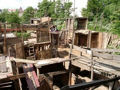 Kolle 37, experimental adventure playground in Berlin for kids 6-16, self-constructed and constantly changing