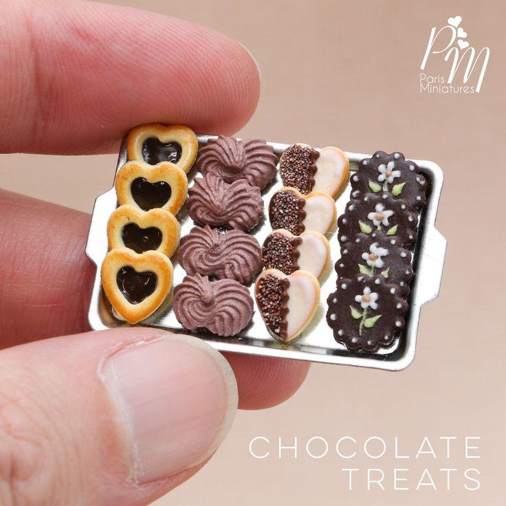 Miniature chocolate treats - cookies, meringues