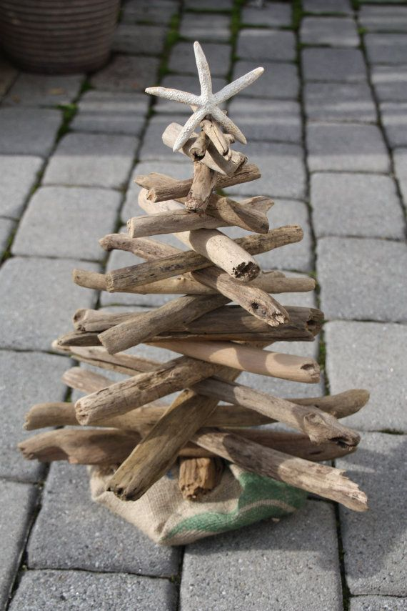 Driftwood Christmas Tree--Must make! Maybe two for dining room table.
