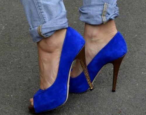 want them: Shoes Lovin, Wedding Shoes, Shoes Dreams, Royals Blue, Hair Nails Clothing, Blue Shoes, Shoes Fit I L, Shoes Addiction, Blue Pumps