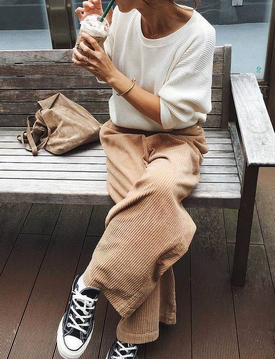 I love this casual combination and neutral tones. The wide leg pants are straight