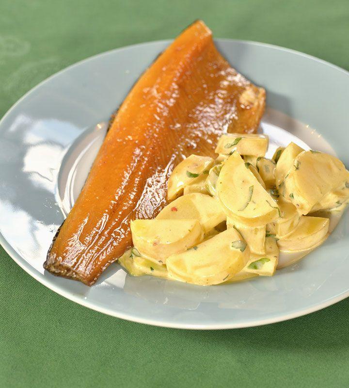 Uzený pstruh s lehkým bramborovým salátem