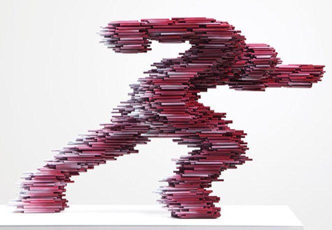 O artista coreano Kang Duck-Bong cria esculturas fantásticas usando apenas pedaços de tubos PVC e tinta.