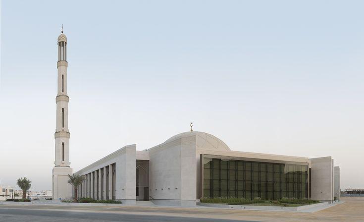 Amazing modern mosque in Dubai