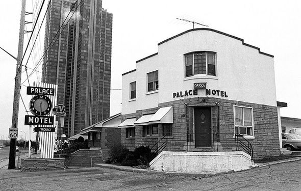 What motels used to look like in Toronto, Palace Pier condo behind. First of the Humber Bay Condo strip.
