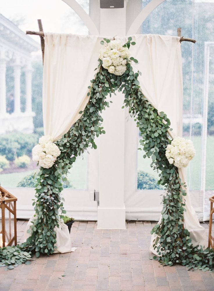 Photography : Michael And Carina Photography | Reception Floral Design : Tre Bella Florist | Venue : The Merrimon-Wynne House Read More on SMP: http://www.stylemepretty.com/north-carolina-weddings/raleigh/2016/07/15/gorgeous-pastel-colored-wedding-in-north-carolina/