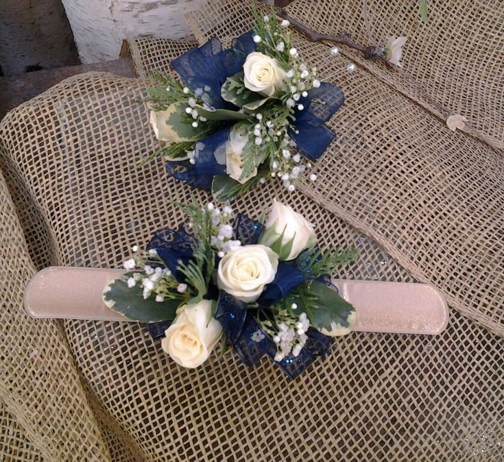 Wedding Flowers Corsage Ideas: Navy And Gold Wrist And Pin-on Corsages For Winter Wedding