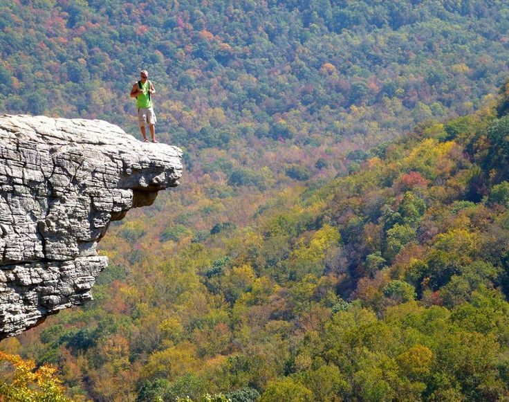 25 Photos of Arkansas That Will Make You Want To Move There - Hawksbill Crag
