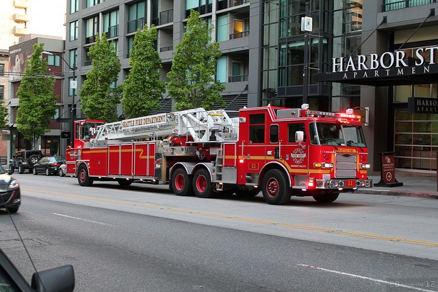 Seattle Fire Department L1 by Canadian Pacific changing internet service - wish , via Flickr