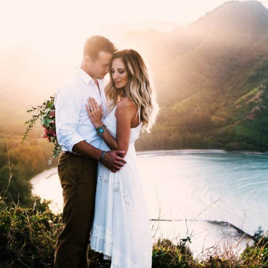 Look no further for summer engagement photo outfit inspiration! Image by Tessa Tadlock