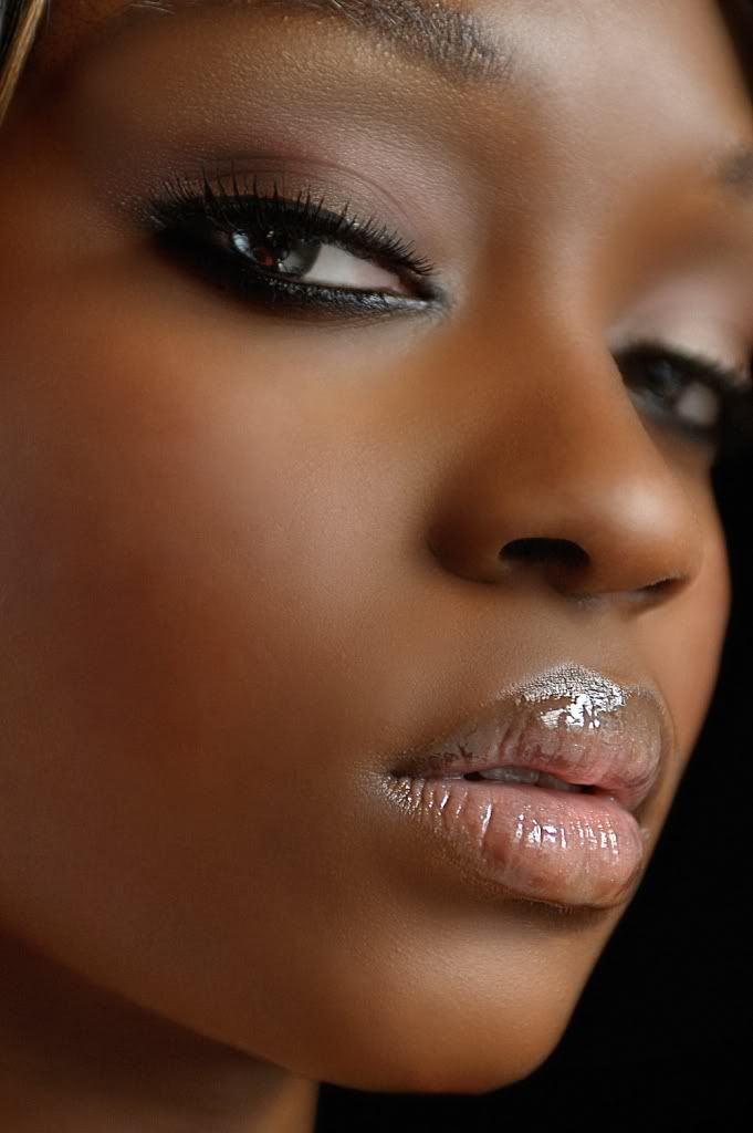 Pretty Makeup With The Eye Glitters 2052994: 294 Best Images About MAKEUP ON DARK SKIN On Pinterest