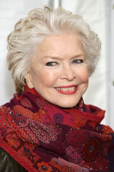 Ellen Burstyn... She was excellent in 'Requiem for a Dream' She should have won something for that, if she had not.