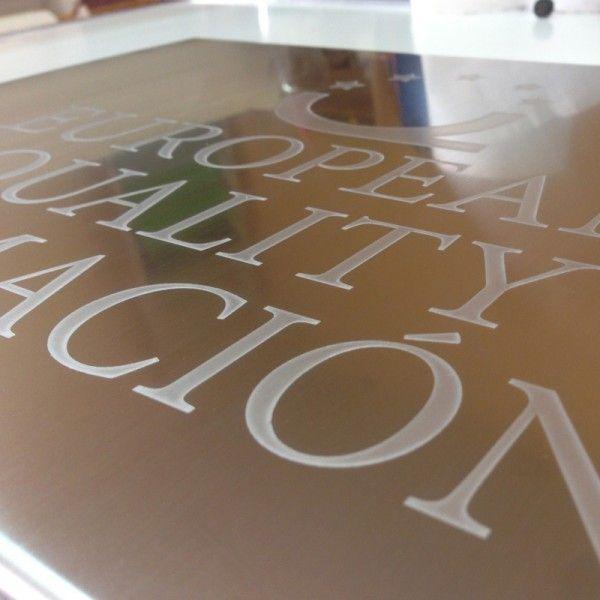 Top 25 ideas about placas grabadas en metal on pinterest for Placa de acero
