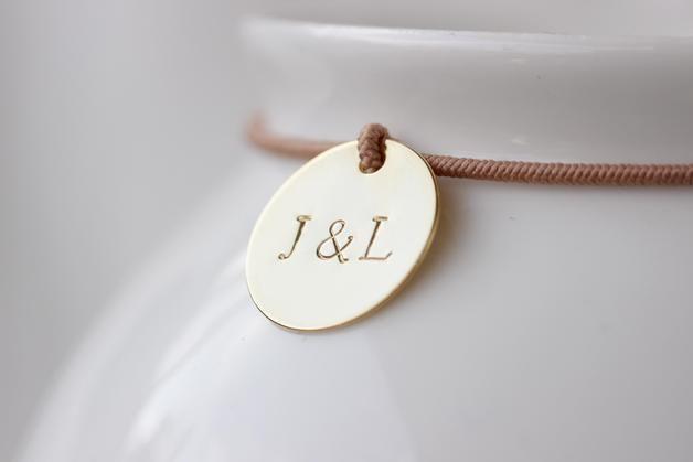 Armband mit Gravur für Verliebte als Geschenk für Deinen Lieblingsmenschen / bracelet with golden pendant and engraving made by  Kamiko via DaWanda.com