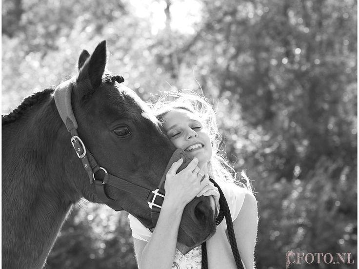 Bruidsfoto, bruidsfotograaf, www. cfoto.nl, trouwen, trouwfoto's, trouwfoto, bruidsfoto's. Wedding, bruidsfoto met paard, trouwfoto met paard, cfoto, Caroline Elenbaas, trouwen paard