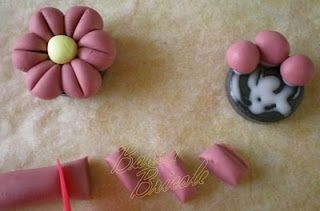 Cold Porcelain Tutorials: Quick and Easy Flower Magnets