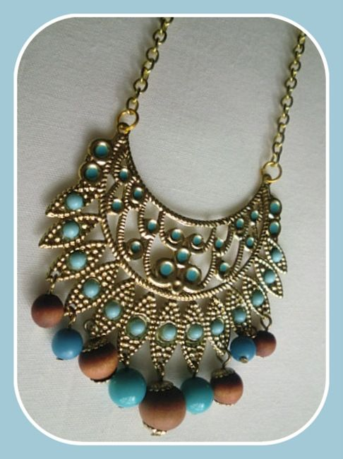 Turquoise - necklace handmade by Miss Daisy