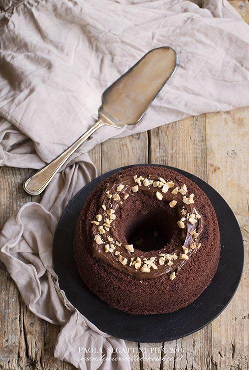 Chiffon cake al cacao.Fluffosissima al cacao e nocciole per il compleanno di iFood.