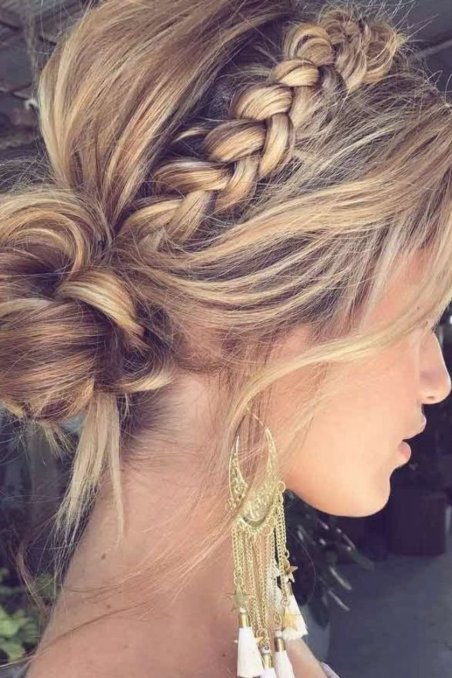 Looking For A Sassy New Look For Your Medium Length Hair Do You Want To Go A Little Shorter But Not T In 2020 Medium Length Hair Styles Hair Styles Medium