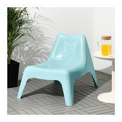 IKEA - IKEA PS VÅGÖ, Lenestol, utendørs, lys blå, -, , Lenestolen kommer til å holde seg pen og holde lenger, siden plasten ikke falmer og er UV-stabilisert for å hindre sprekkdannelse og uttørking.Kan stables, noe som hjelper deg med å spare plass.Regnvann renner ut gjennom hullet i stolsetet.Enkel å holde ren – tørk av med en fuktig klut.