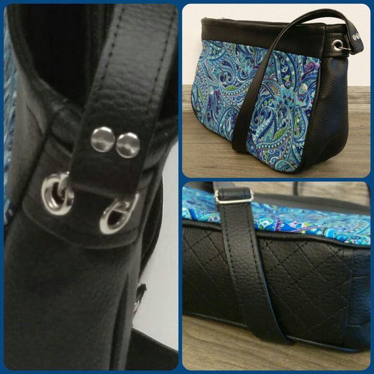 Mini crosbody bag. Malá kabelka s dlouhým popruhem