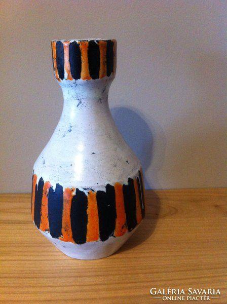 Jelzett Gorka Lívia fekete-narancs-fehér kerámia váza