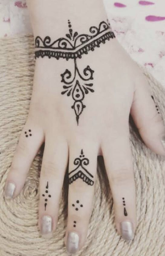Dovmeler Image By Masal Henna Tattoo Hand Simple Henna Tattoo