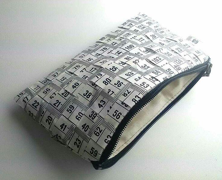 Vintage tapemeasure -pouch