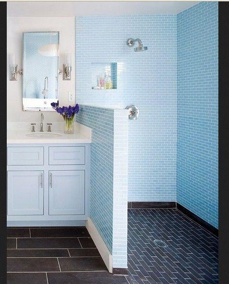 Berikut ini koleksi gambar kamar mandi sederhana warna biru muda termasuk dalam kategori Ide dan Inspirasi Kamar Mandi Biru