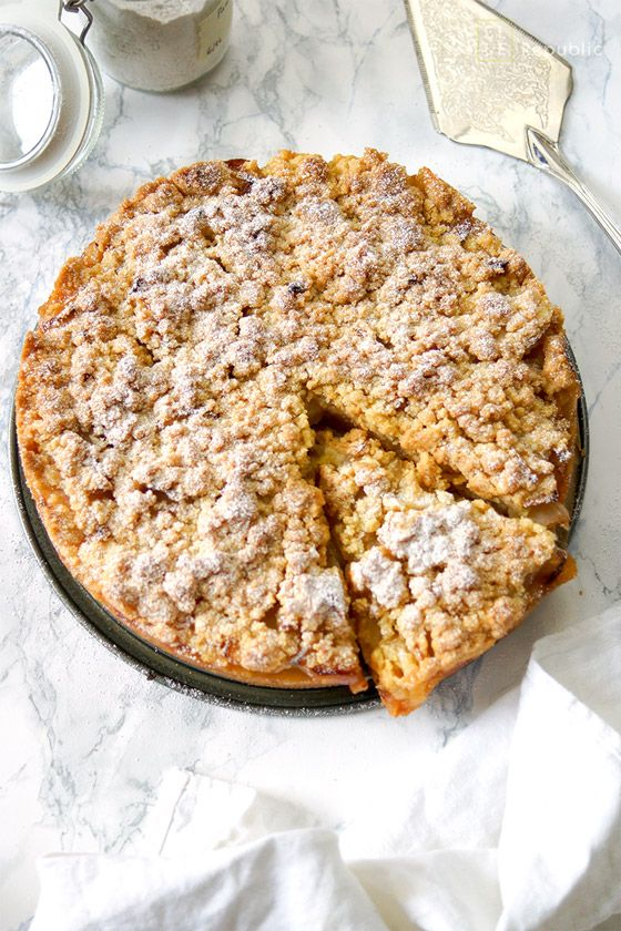 Grandma's apple pie with crumble, apple crumble recipe
